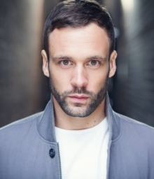 Нік Блад (Nick Blood)