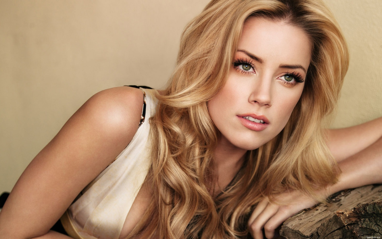 http://www.kinofilms.ua/images/wallpapers/1280x800/32097_Amber_Heard.jpg
