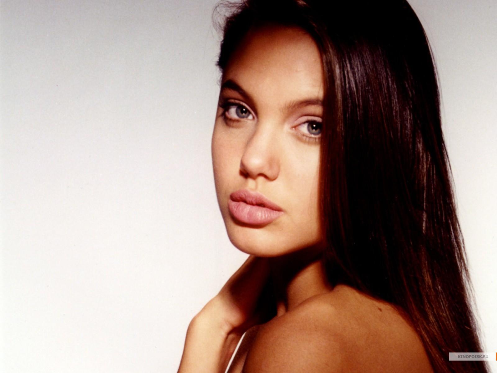 Angelina Jolie Age