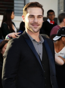 Грэй Дэймон (Grey Damon)