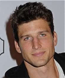 Паркер Янг (Parker Young)